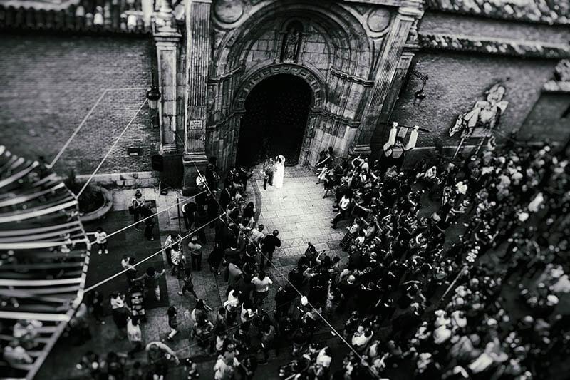 foto novios saliendo iglesia