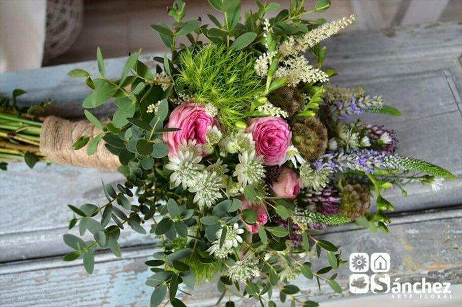 hoja verde y rosas
