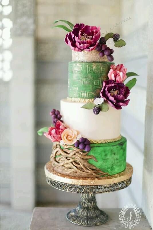 tarta en pisos ramas árbol