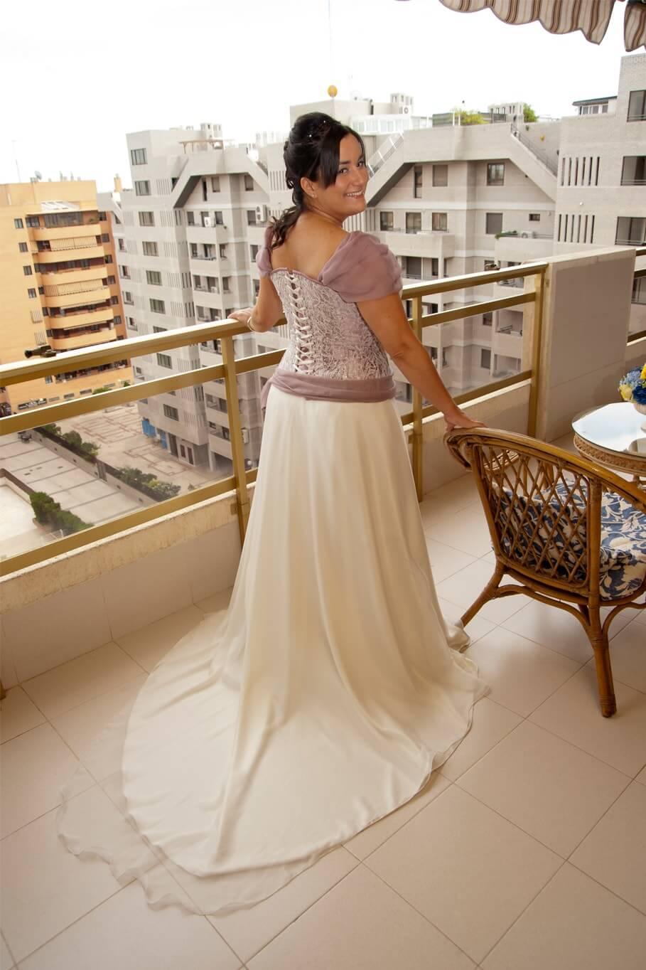 traje de boda en color