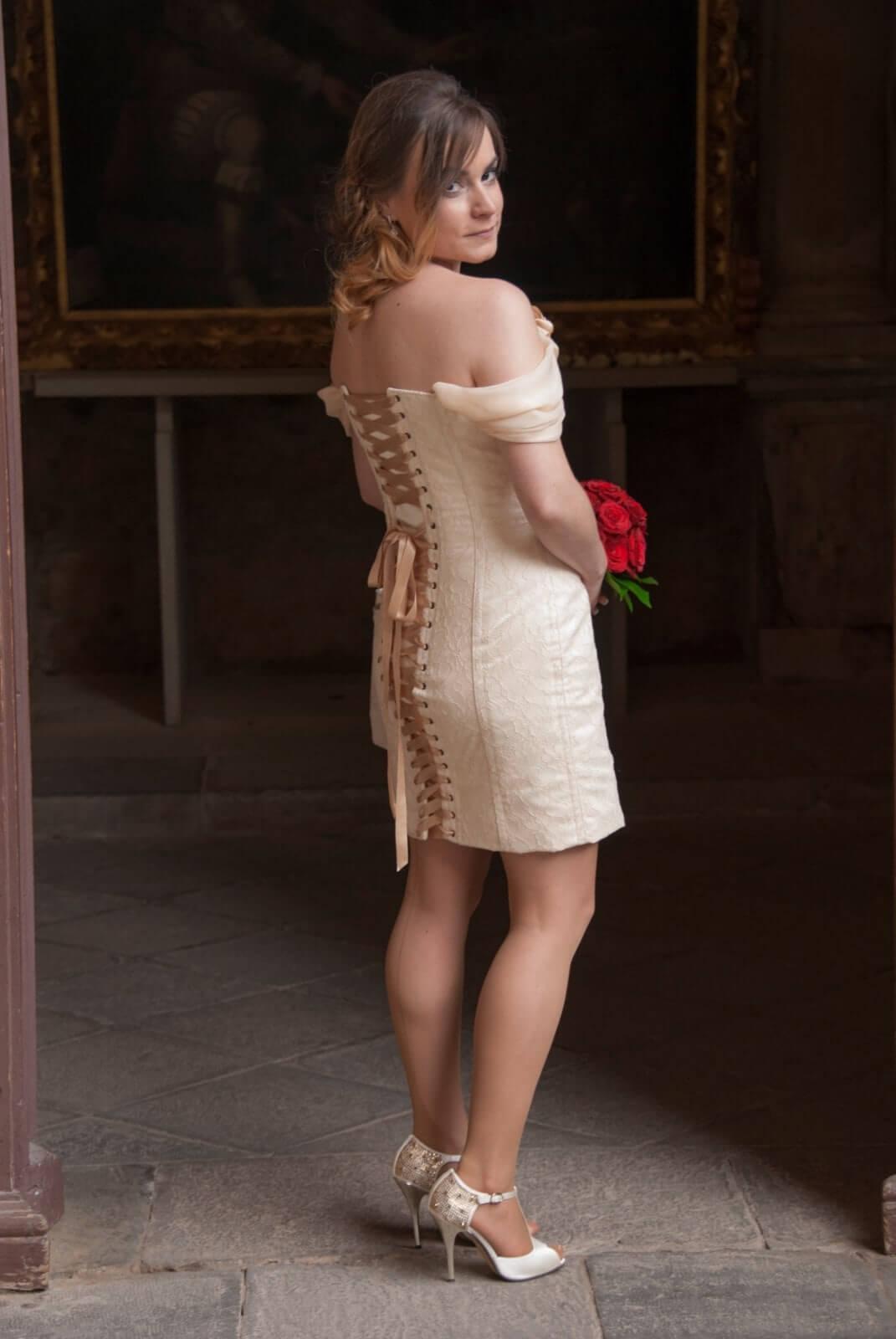 vestido de novia a medida, con corset