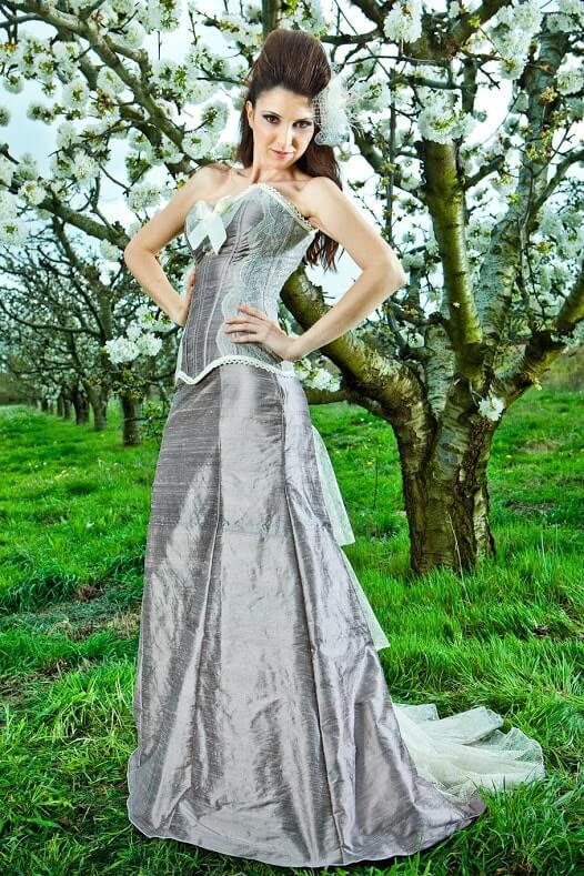 vestido de novia en color-min