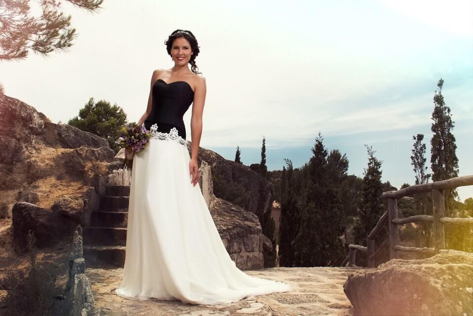vestido de novia negro-min