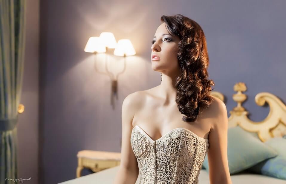 vestidos de novia y fiesta con corset