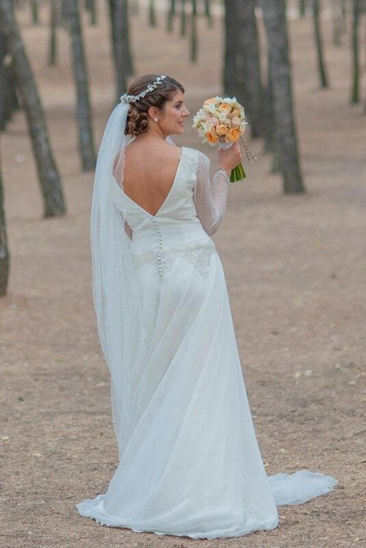 espalda de vestido de novia recien casada