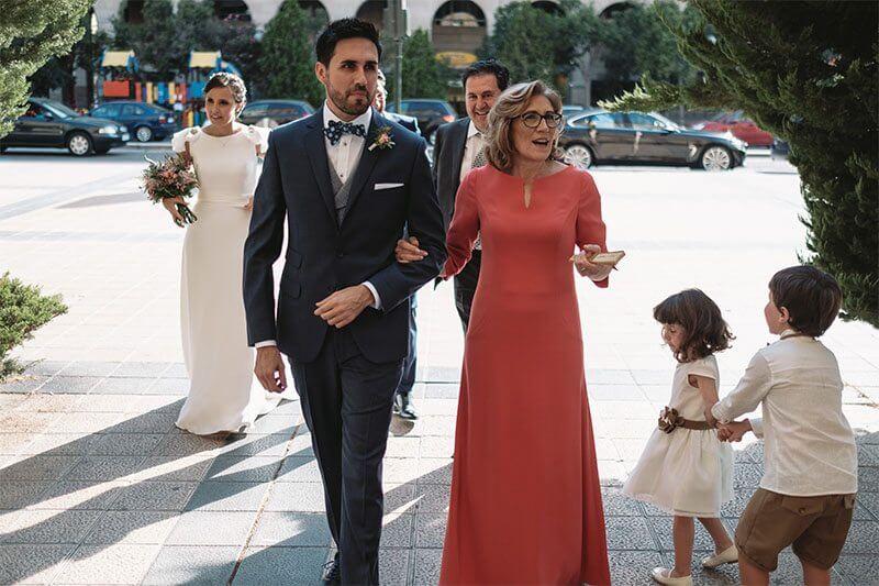 madrinas de boda elegantes