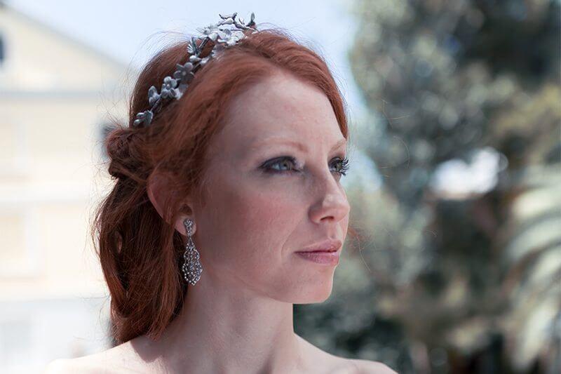 15 Corona Flor de Porcelana plata Martha Peters