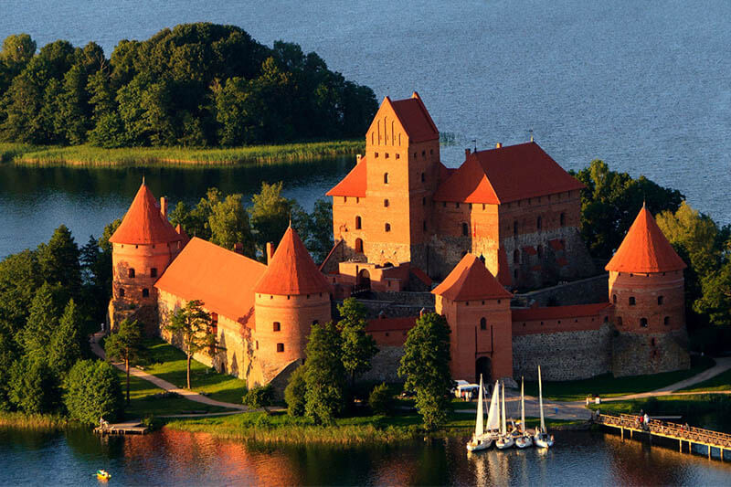 2 Los Balticos. Lituania