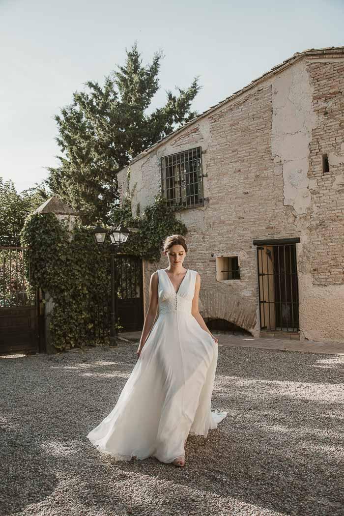 con vestido de novia