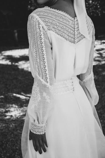 Un vestido de novia con jersey