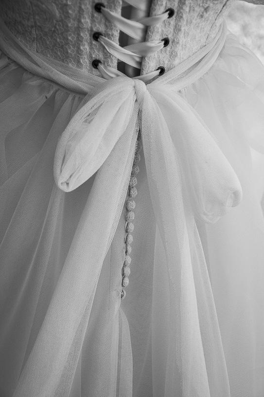 Un vestido de novia con corsé