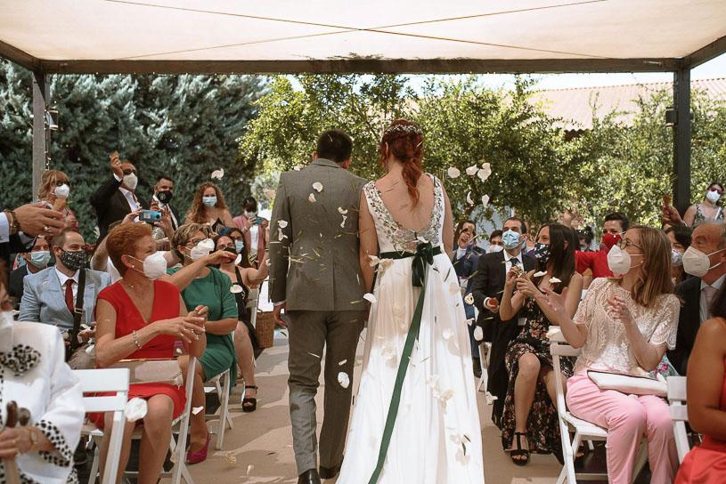 Vestidos de novia con detalles en color